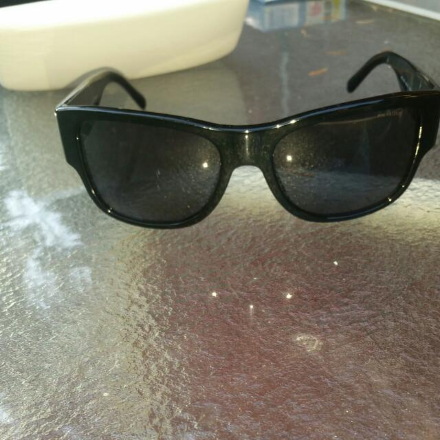 Black And Gold Mens Versace Sunglasses. Polarized