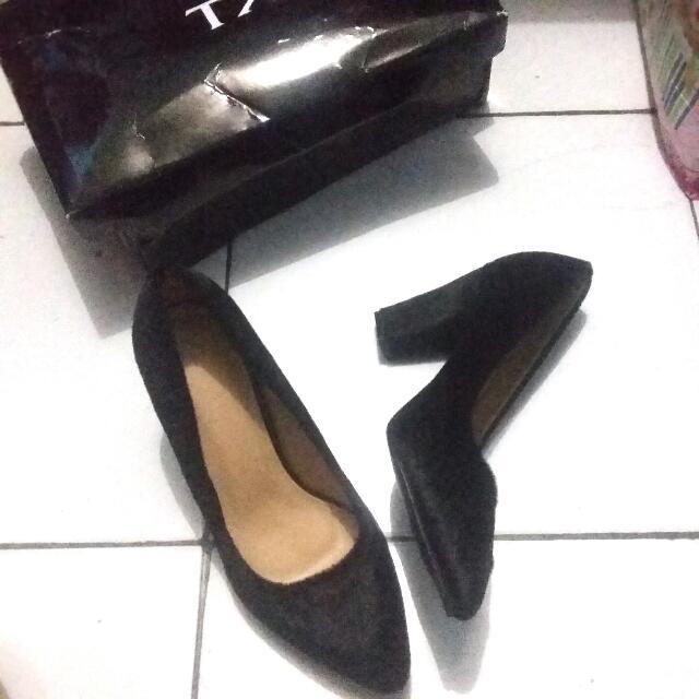 Black Heels The Executive