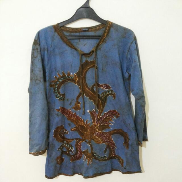 Blouse Batik Abstrak