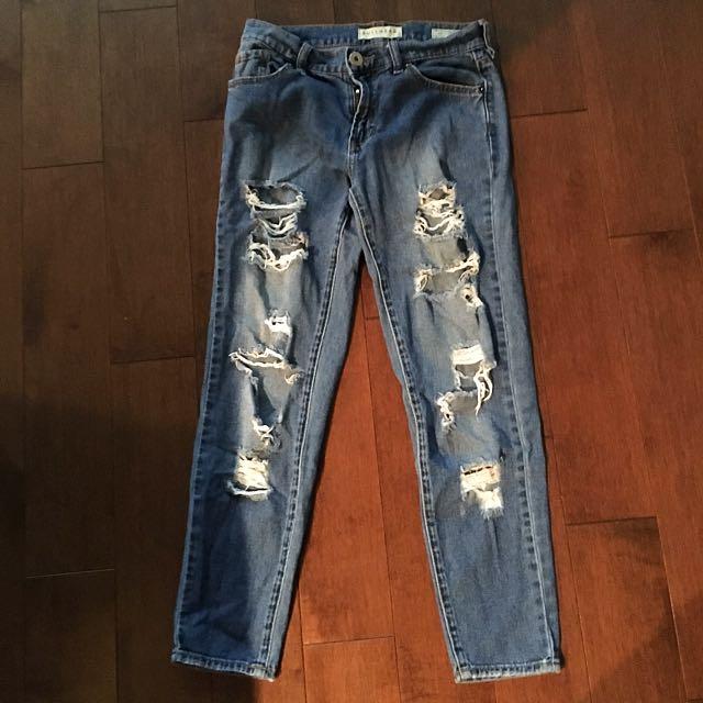 Bullhead Ripped Boyfriend Jeans