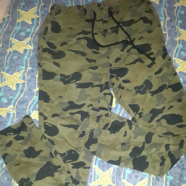 H&m celana panjang camo loreng