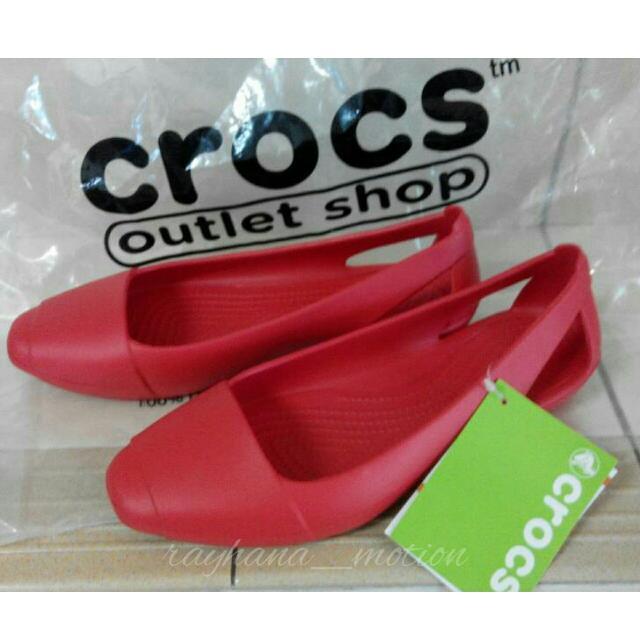 16dd2a0c39e70d Crocs Sienna Flat (Women s)