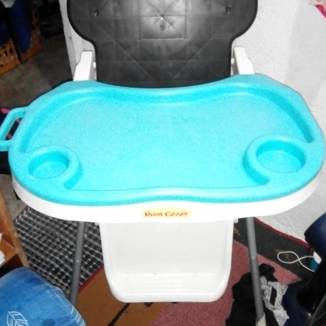 Giant Carrier High Chair
