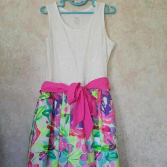 Girls Summer Dress. 10/12 Size