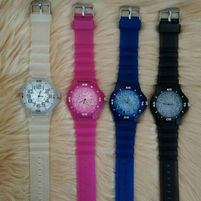 jam tangan QnQ rubber