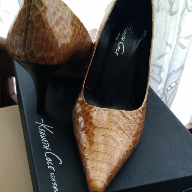 Kenneth Cole Pumps - Size 7