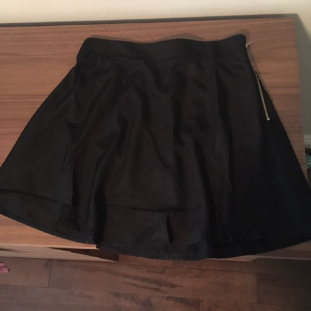 Little Black Skirt Medium