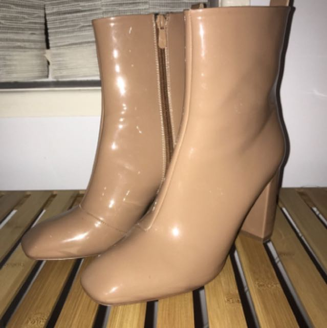 Missguided Tan Boots Size 9