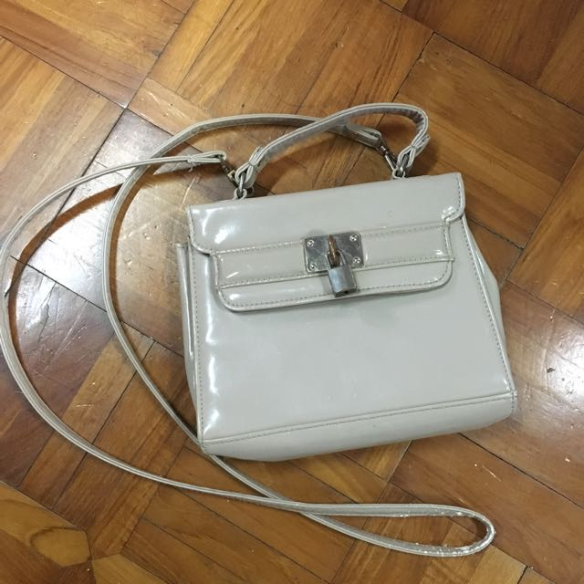 New Look Slingbag