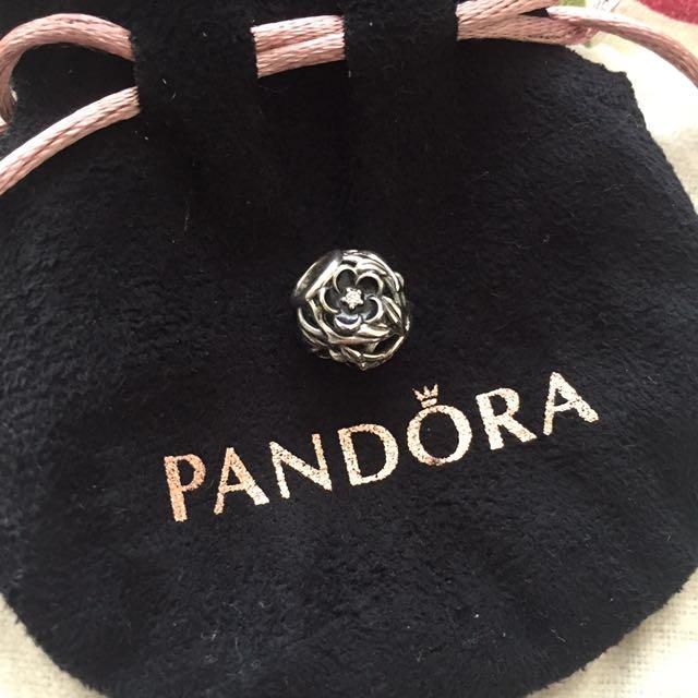 Pandora Charm Black Flower
