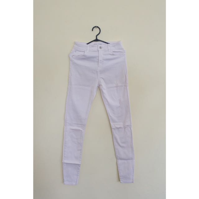 Ripped Jeans Highwaist Bershka