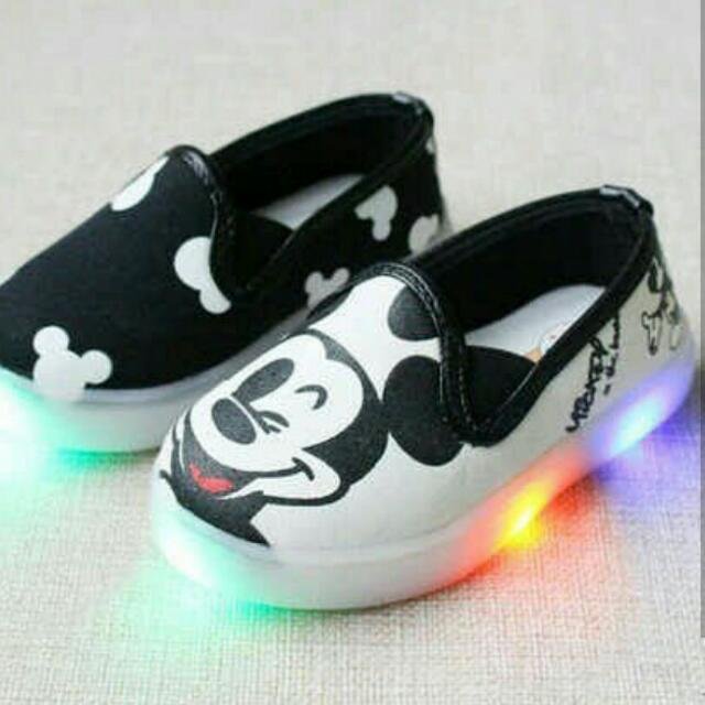 Sepatu Anak Mickey LED