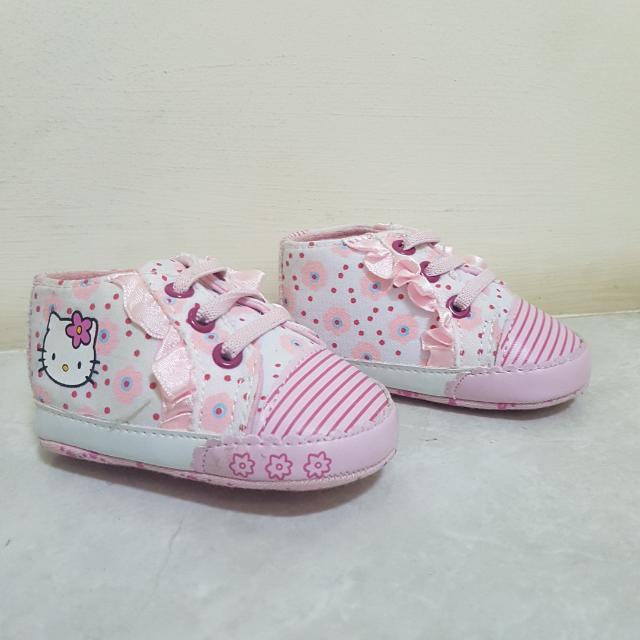 SEPATU BAYI Hello Kitty Prewalker Shoes