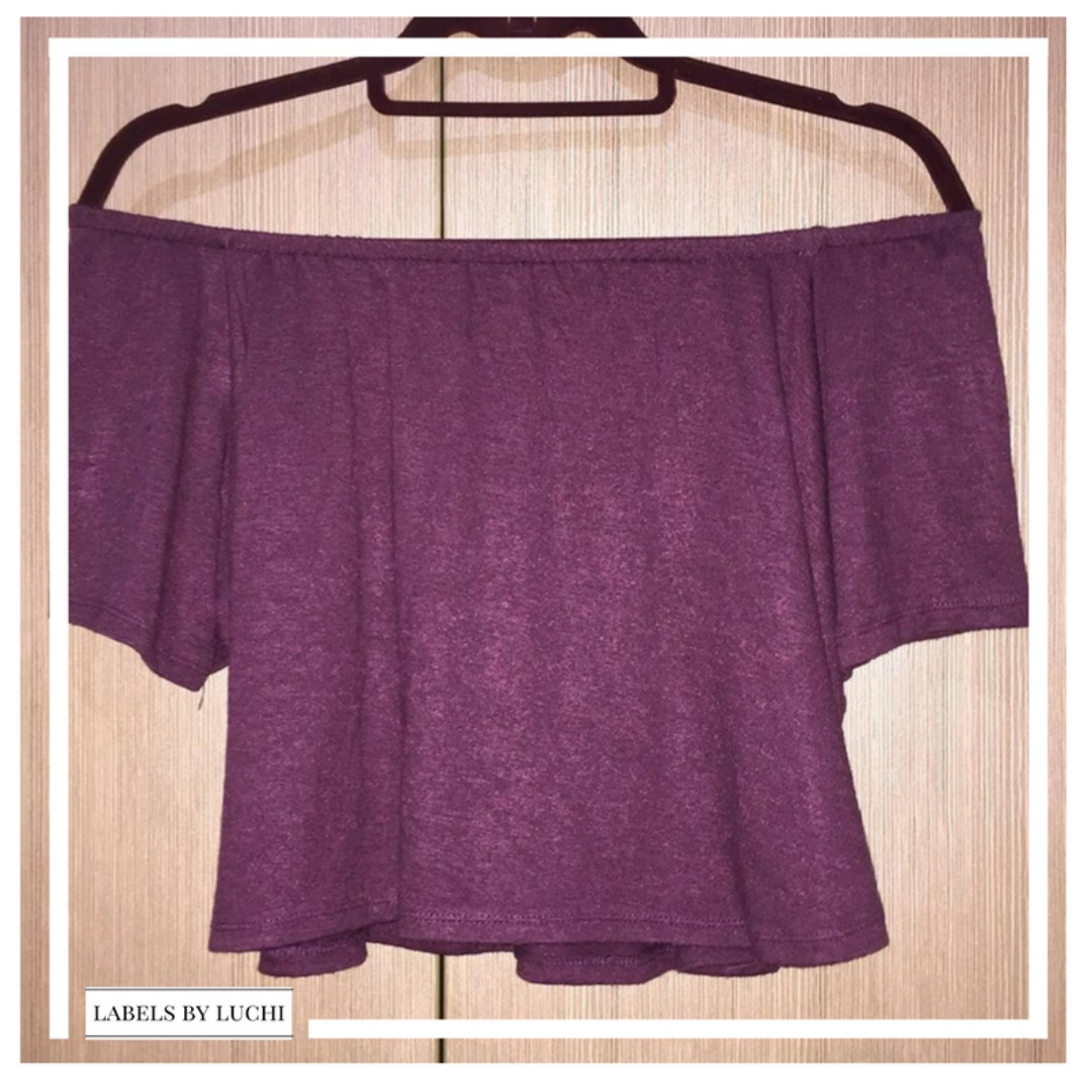 SMALL Maroon straight across short-sleeved cropped off-shoulder top