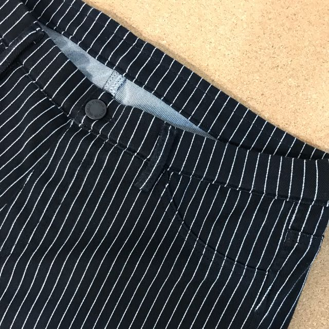 f1c84d82ebff7 Uniqlo Black Striped Jeggings/ Skinny, Women's Fashion, Clothes, Pants,  Jeans & Shorts on Carousell