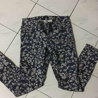 Celana Bunga H&M