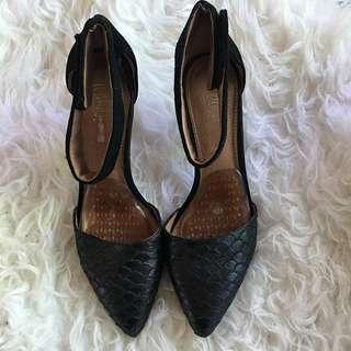 Wittner Heels *Size 36