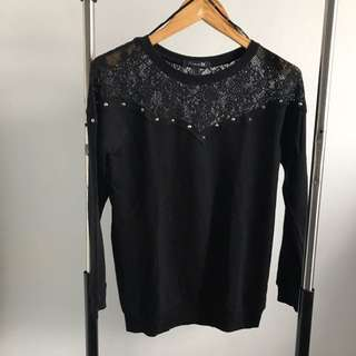 NEW - FOREVER21 LACE STUD TOP