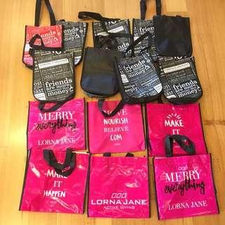 15 Lululemon / Lorna Jane Reusable Bags
