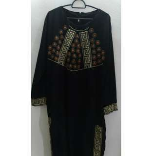 Jubah Hitam with Embroideries