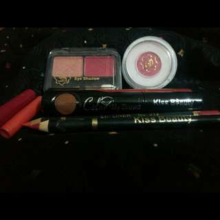 Preloved Makeup Set