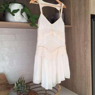 Aize 12 Uscari Dress