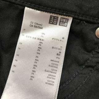 UNIQLO 黑色窄管長褲 22號