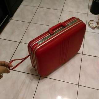 🚚 早期硬殼手提行李箱 CORONA 紅色行李箱