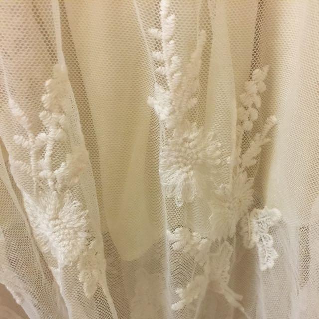 米白甜美鬆緊腰蕾絲裙