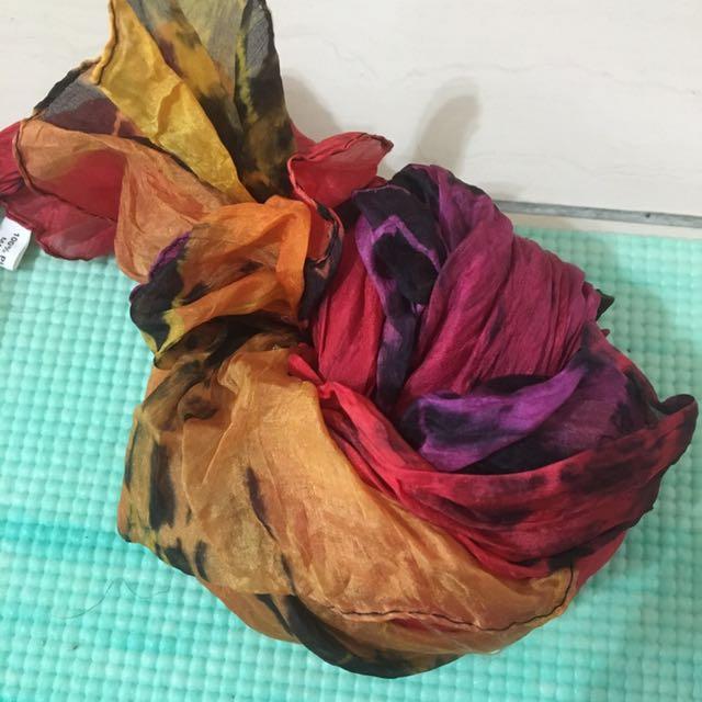 杜拜 絲巾 蝴蝶色 紫羅蘭色 etihad航空 牙刷牙膏 眼罩 卯丁腰帶