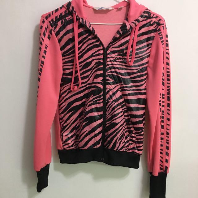 愛迪達addidas 粉紅豹紋外套