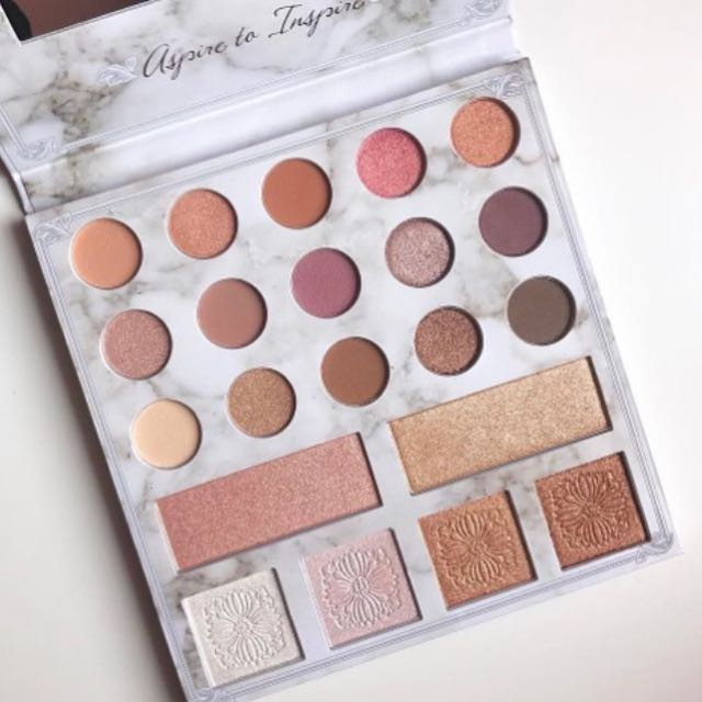 Carli Bybel Deluxe Edition Color Eyeshadow Highlighter Palette