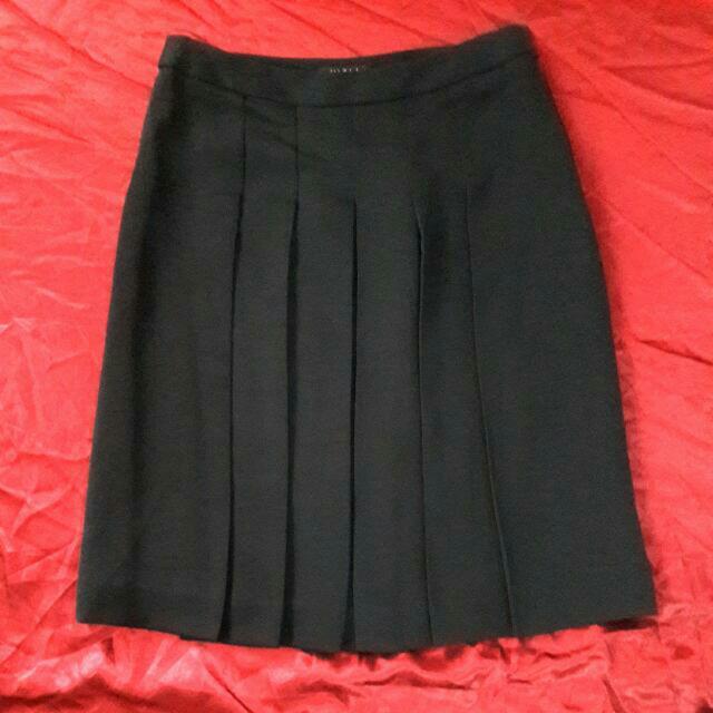 Black Flowy Knee Length Tennis Skirt