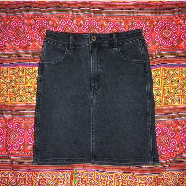 further 40% off - NEUW black denim skirt