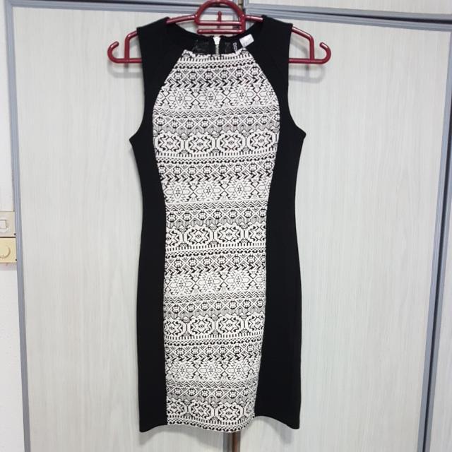 H M Black Tight Skirt Women S Fashion Clothes Dresses Skirts On Carou
