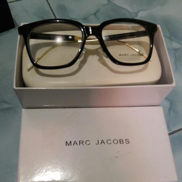 Kacamata MARC JACOBS