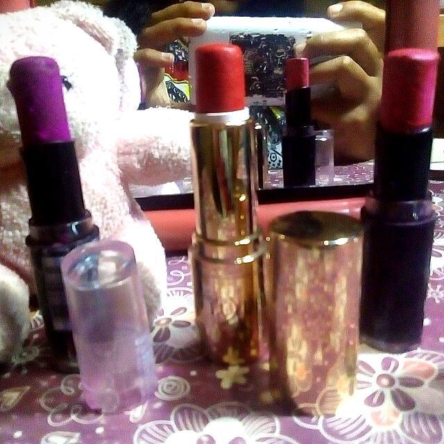 Lipstick Wet N Wild , Lipstick LUXURY