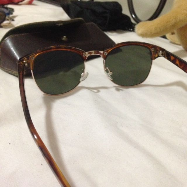 Lucky Brand Sunglasses / Sunnies / Glasses