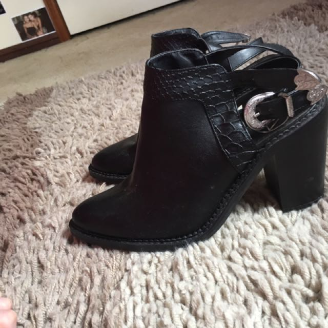 misguided black buckle boots
