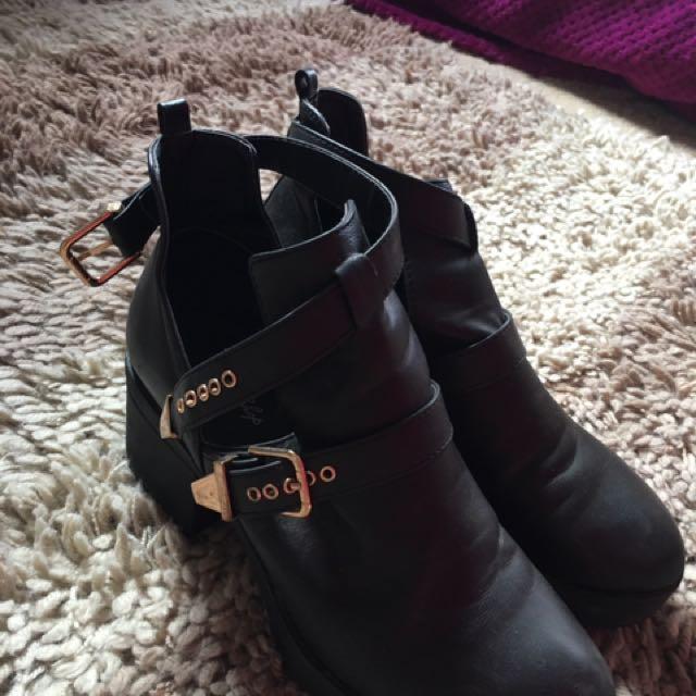 miss shop size 8 buckle boots