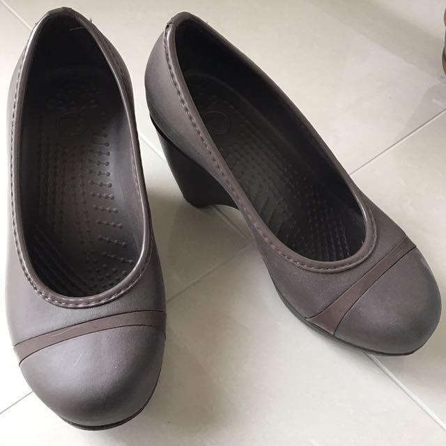 NEW Size 7 Heels