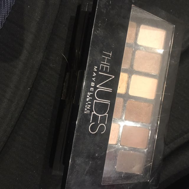 Only used Once The Nudes Maybelline Pallete