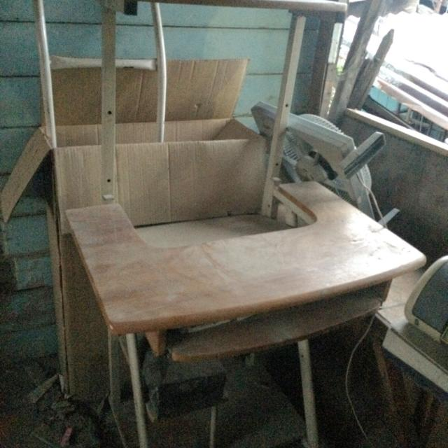 Pc wooden table RUSH for pick up