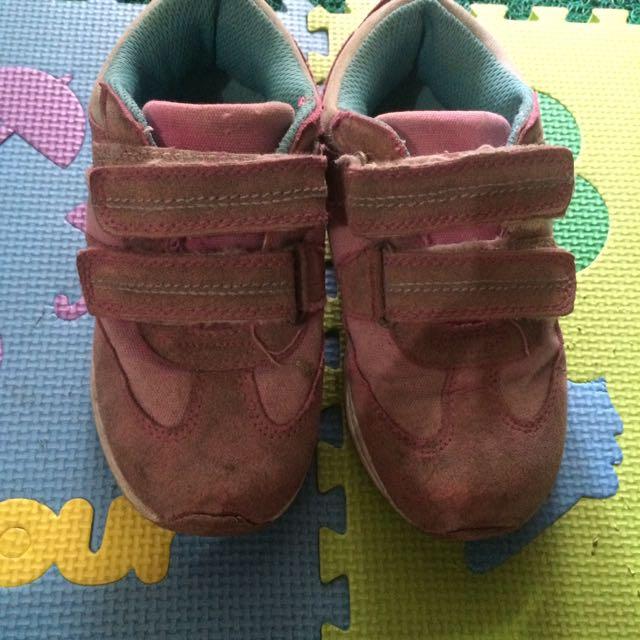 Sepatu Pink Bubble Gummers