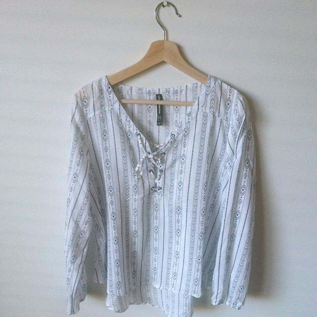 Size 12 | *NEW* Loose Pattern Blouse
