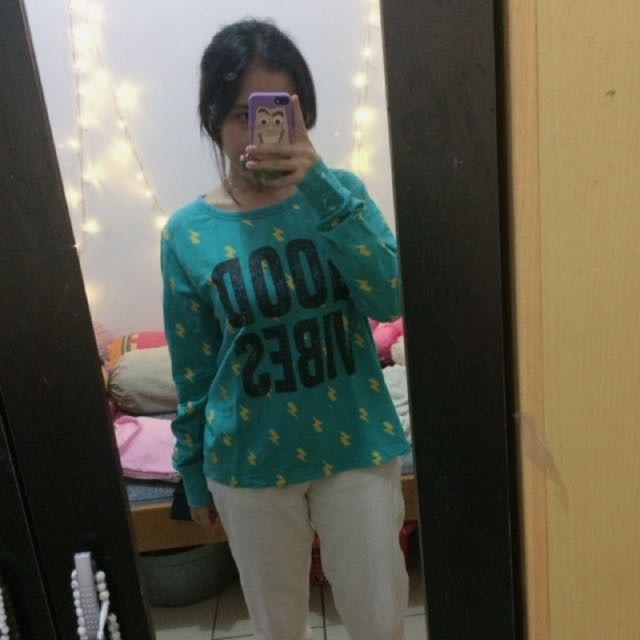 sweater goodvibes (look like pb)