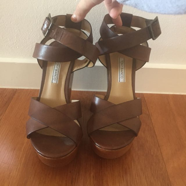 TONY BIANCO brown/tan Wedges