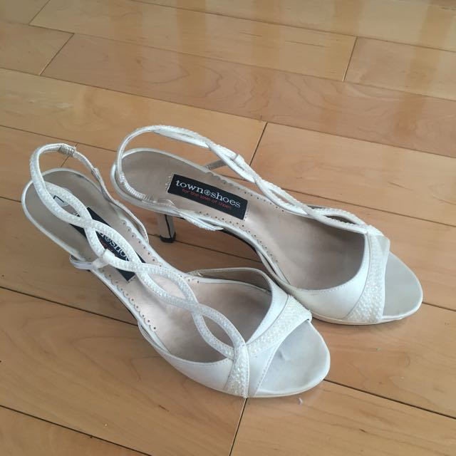 Town Shoe, Size 7.5