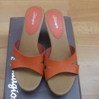 Bellagio Orange Wedges Sz 38