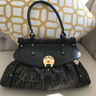 Fendi Bag Vintage With Handle Very Good Condition